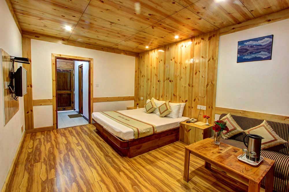 standard Manali Volvo Tour Package